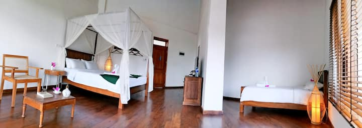 Cardamon Hotel family room(double and single bed)