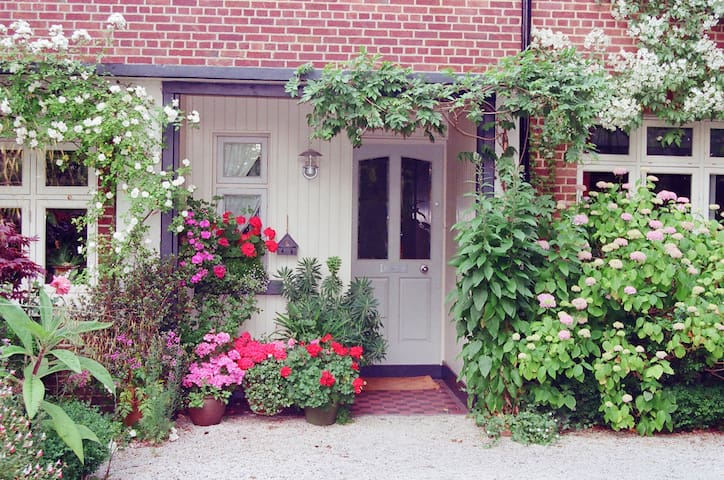 Charming family home in a green oasis - Rathgar - House