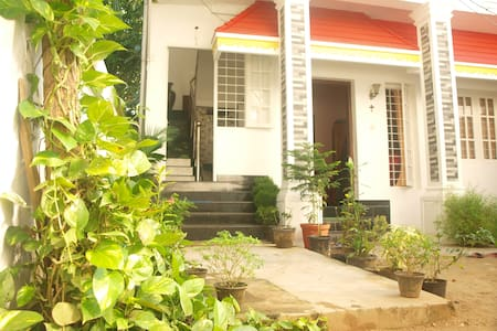 MARY GRACE HOMESTAY- GUEST ROOM 1 - Kochi