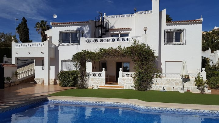 Beautiful villa with sea views & private pool