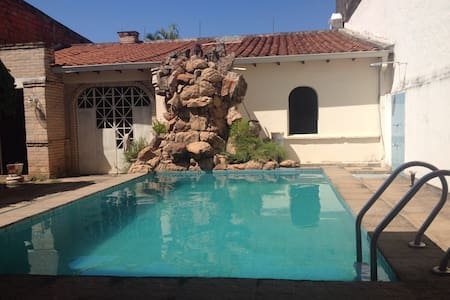 Habitación Doble con Piscina! - Fernando de la Mora - Bed & Breakfast