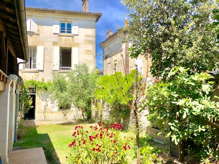 Chambres - maison authentique au cœur de Cognac.