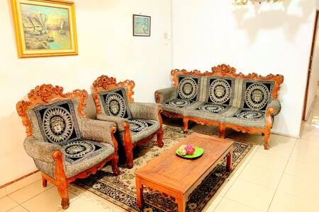 Rachella Guest House