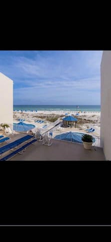 Welcome to Bare Footin, Your Orange Beach Getaway!