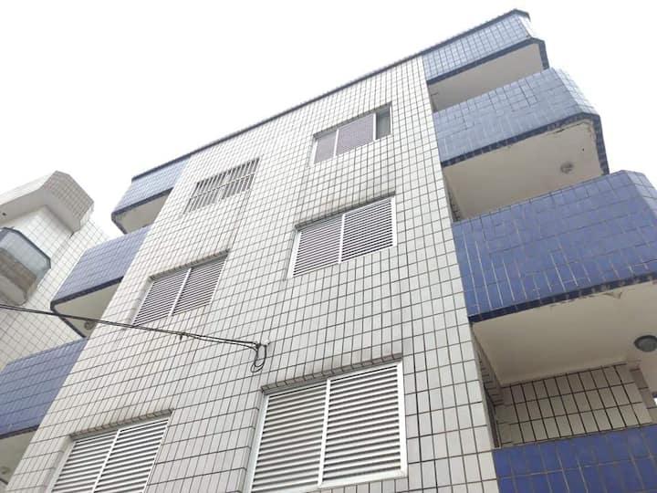 Apartamento  400 metros da praia - Vila Tupi.
