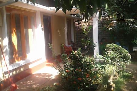 Traditional Lankan Style House - Hikkaduwa