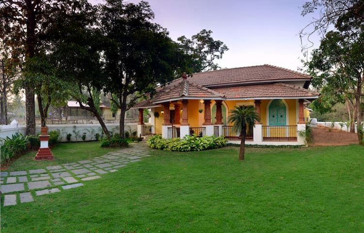 Stunning Portugese Villa in North Goa wth pool