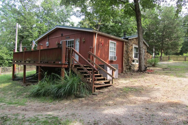 Cedar Hill Cottage - 248 Bluebird Rd