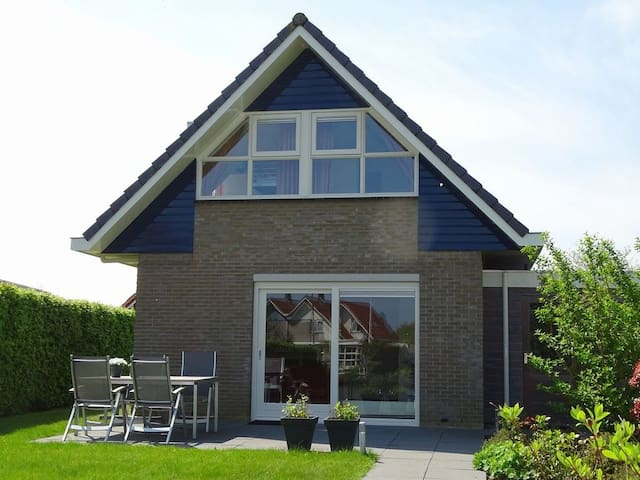 Vakantiehuis in het Watersport hart van Friesland.