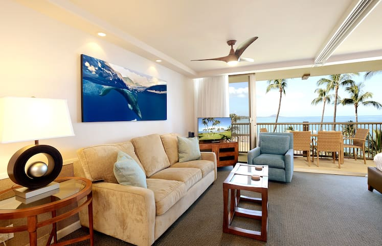 Beachfront! Oceanview! Deluxe Condo at Mana Kai