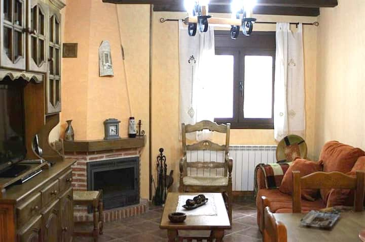 House with 2 bedrooms in Hueva, with wonderful mountain view