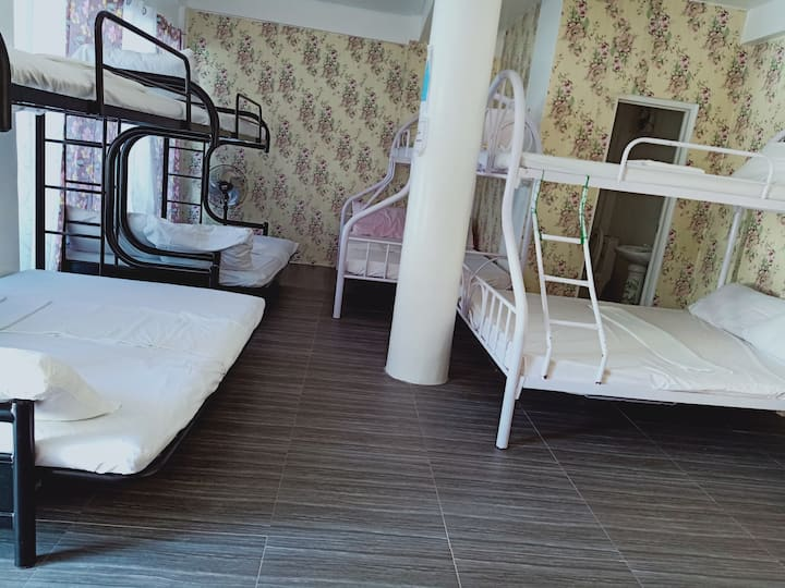 3L Resort Beach Front Patar Bolinao Bigroom
