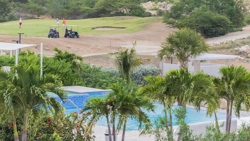 Beautiful apartment with Golf, Hill & Ocean View