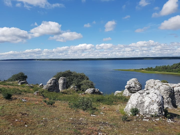 Husken Gotland close to the sea and nature reserve