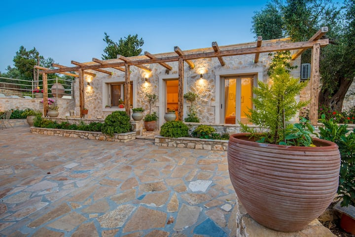 Azalea House Holiday Villa in Paxos