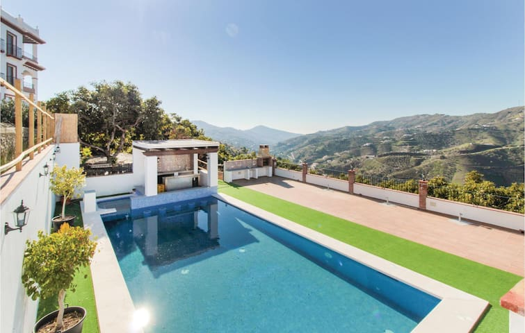 Holiday cottage with 2 bedrooms on 65m² in Canillas de Albaida