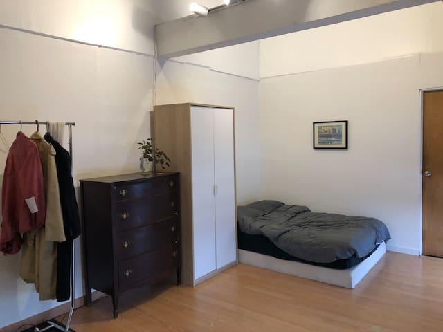Bedroom 200 sqft
