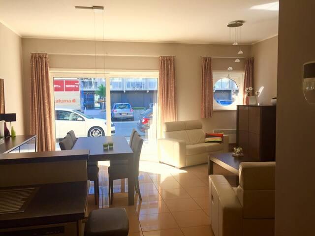 Ruim gelijkvloers appartement