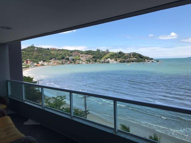 Belíssimo Apartamento de Frente para o Mar Itapema