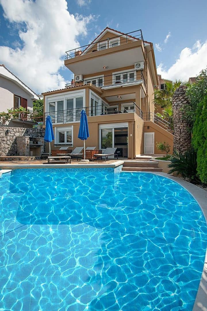 Villa Oleander Lustica