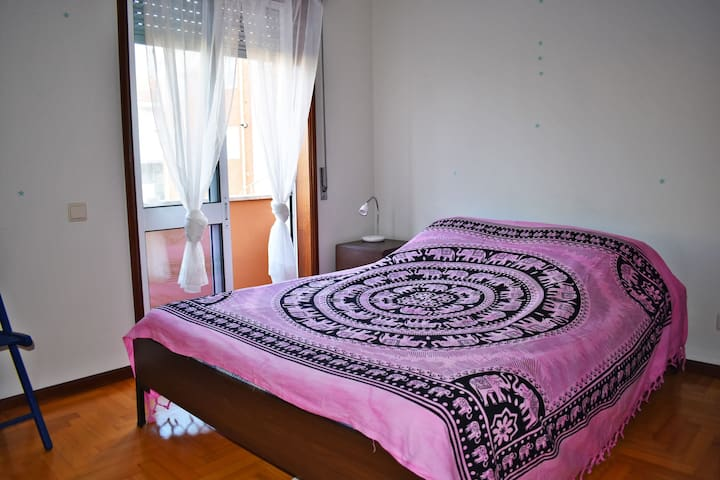Double Bedroom - Near Beach and Train