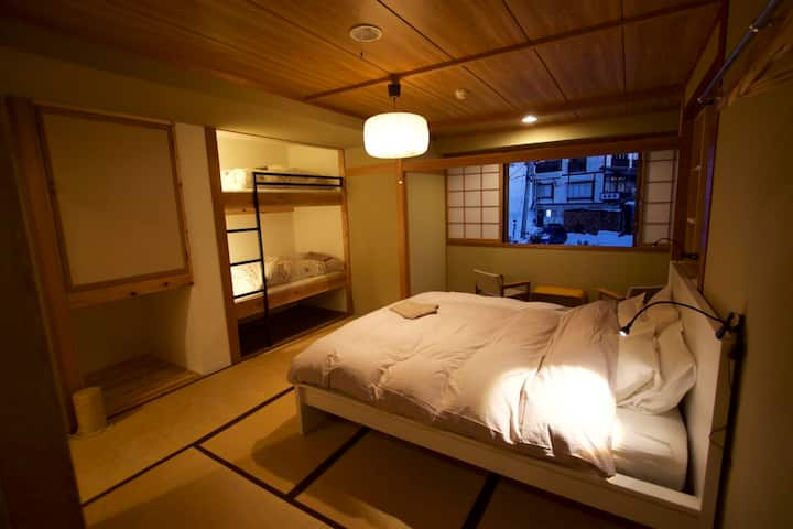 Villa Nozawa, spacious family room with ensuite