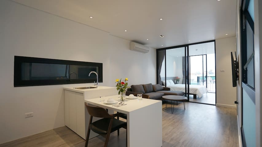 Brand new, well equipped apartment in Tay Ho