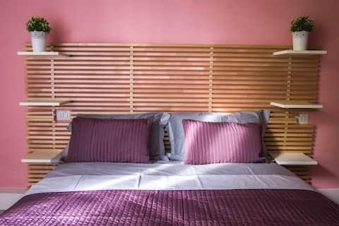 חדר זוגי עם חדרי רחצה פרטיים בפורמיג'ין (MO)