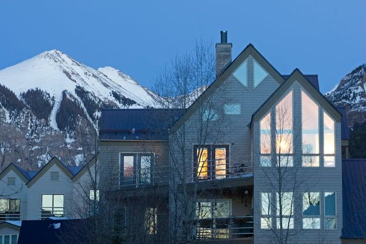 Viking Lodge by Alpine Lodging Telluride - 2 Bedroom 2 Bath Sleeps 9