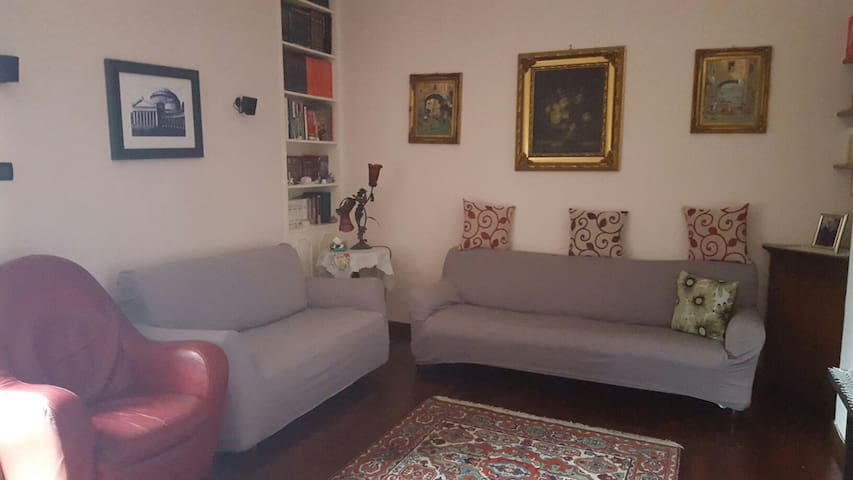 Due camere in casa amica. - Neapol - Penzion (B&B)