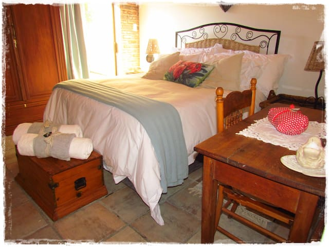 Serena's Boutique Self Catering in the Winelands - Paarl - Apartment