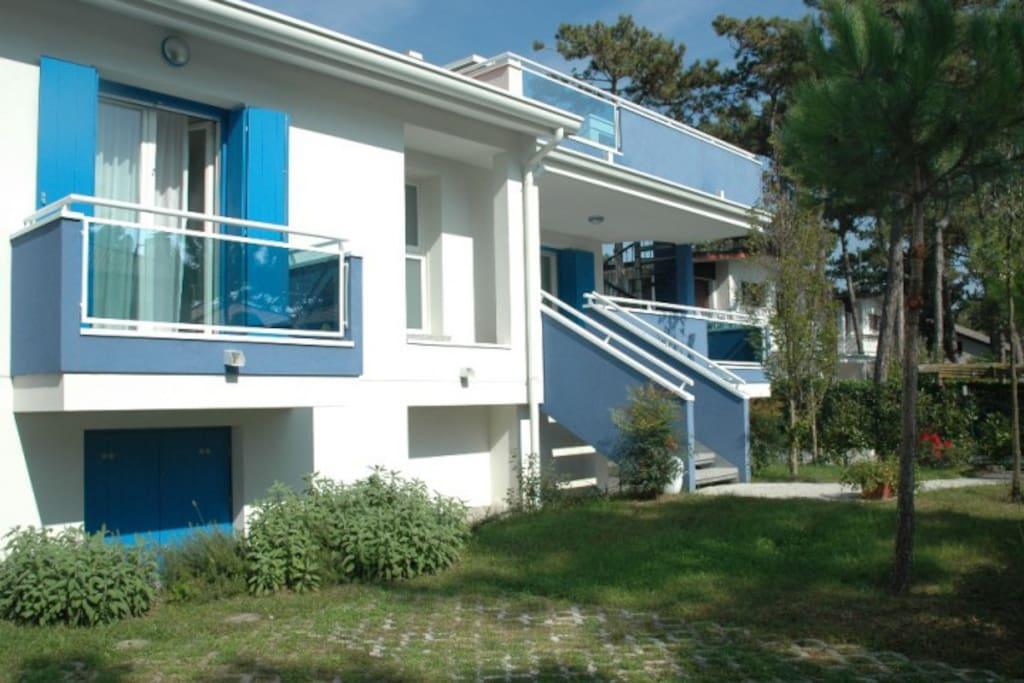 Villa stellamare modernes haus im gr nen villen zur for Bagno 7 bis lignano pineta