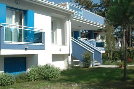 Villa Stellamare - modern house with nice garden - Lignano Sabbiadoro - วิลล่า