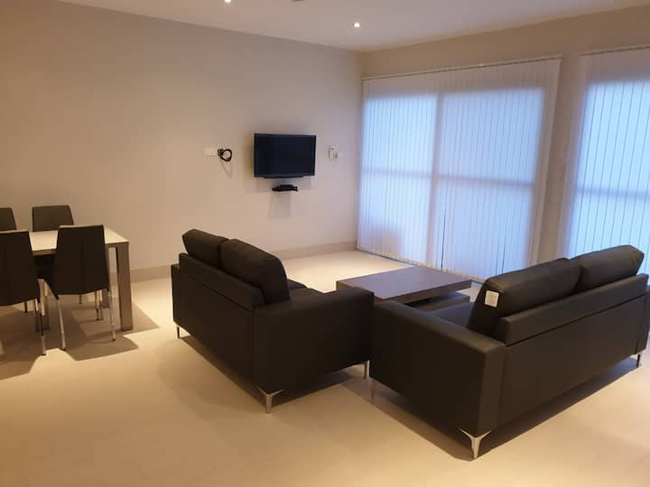 Relax Waterfront Serviced Apartment two(2)