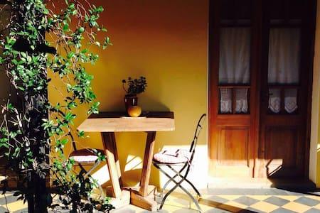 Encantador b&b/Charming and little bed & breakfast - San Antonio de Areco - Bed & Breakfast