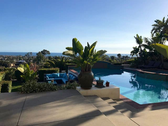 Spacious Guest House, Pool & Spa, Close to Beach!