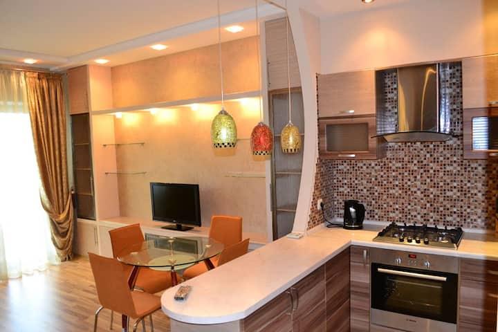 M - 5 Двухкомнатные апартаменты в Отраде