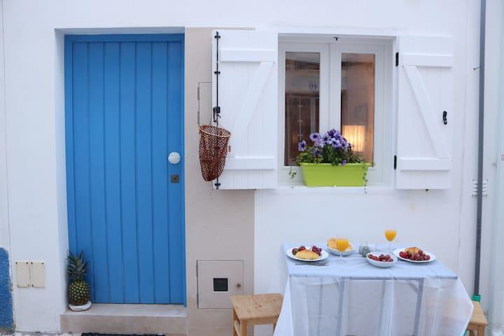 Stair House - Casa Tipica a 20 metros da Praia