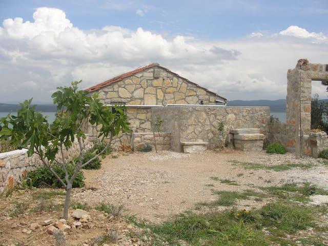 KAMENA KUĆA BILI - Pakoštane - House