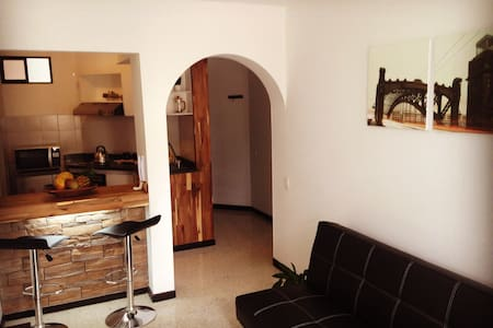 Perfect location, cozy, entire furnished apartment - Apartment