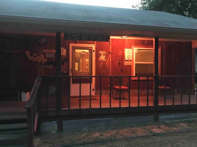 River Road Cabin King Bed Bath Kitchen Deck WIFI