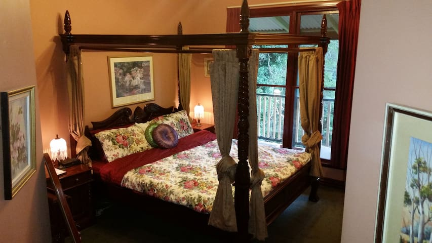 Rustic Refuge B&B with King Bedroom & ensuite - Kalorama - Bed & Breakfast