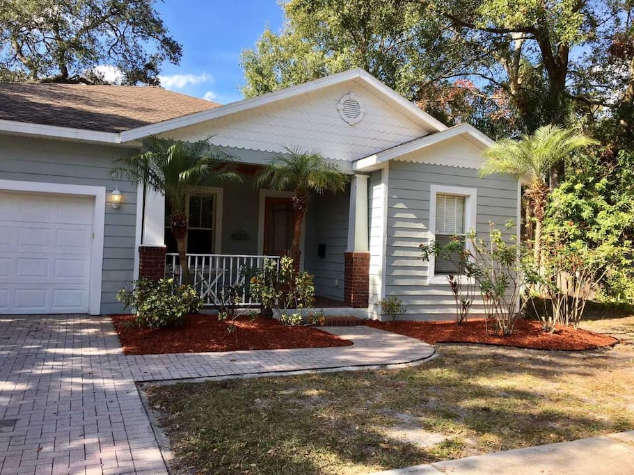 Beautiful Private Home Near Everything In Tampa Houses