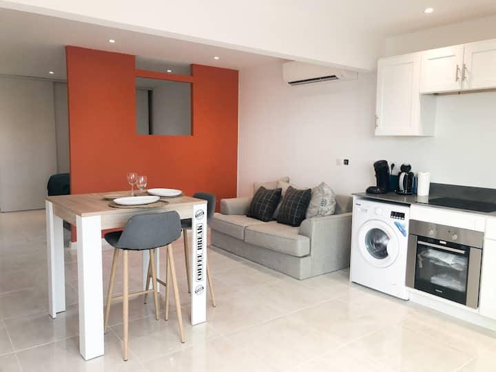 Appartement neuf baie nettlé terrasse et piscine