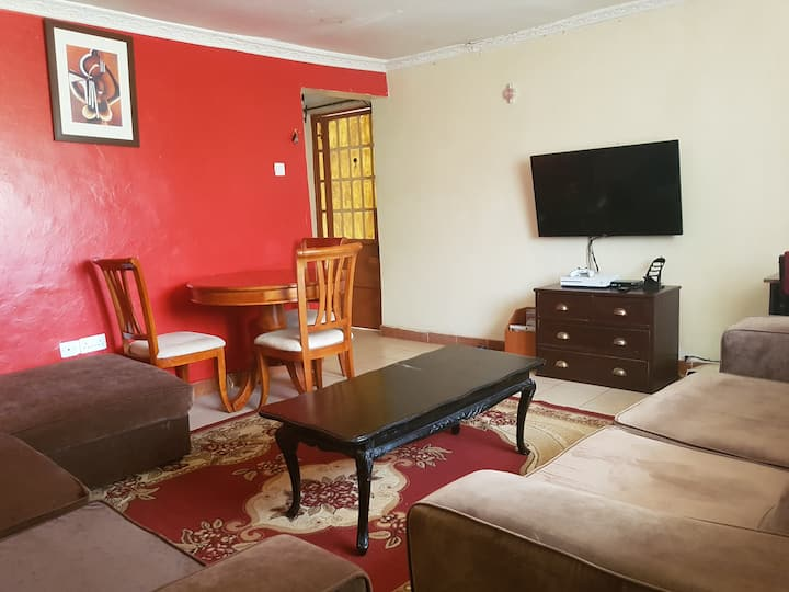 Explore Nairobi from Modern yet Homely Bungalow
