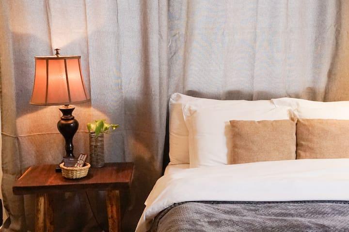 Cinco Hotel B&B - Grey Room