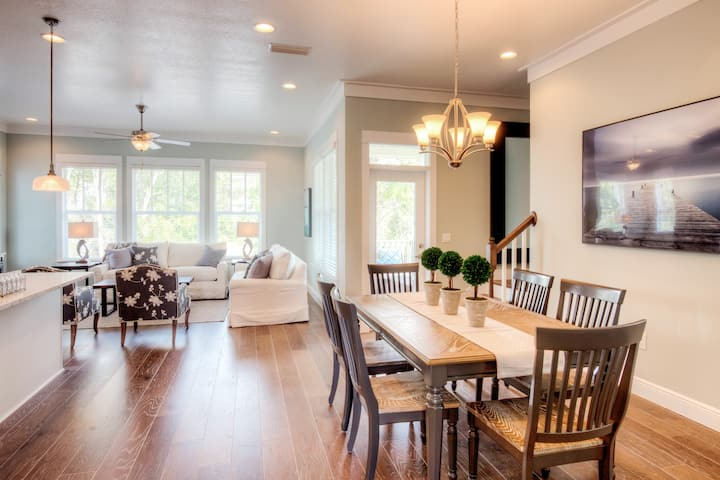 New Cottage Home Near 30A/Rosemary Beach