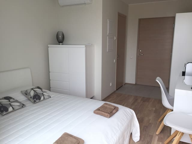 Modern apartment with balcony - Pärnu - อพาร์ทเมนท์
