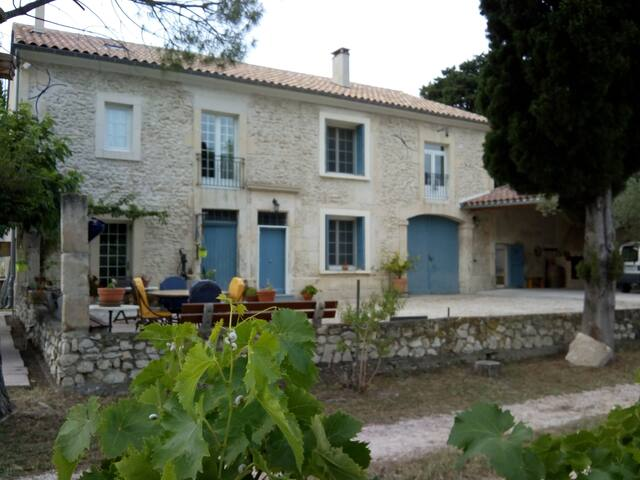 Charming apartment near Avignon