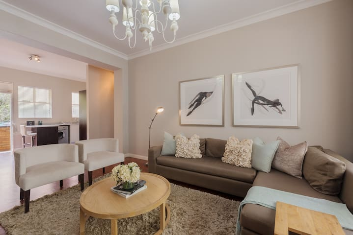 Modern apartment living in the heart of Rosebank